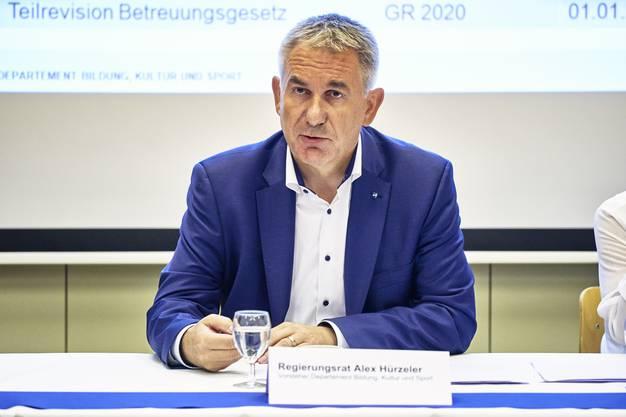 Alex Hürzeler bei der Medienkonferenz zum Schuljahresanfang im Aargau