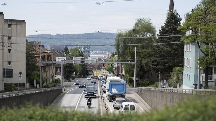 In der Kantonsratsdebatte um den geplanten Zürcher Rosengartentunnel setzten sich die Bürgerlichen durch.