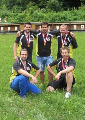 Die Freischützen Balsthal-Klus wurden Kantonalmeister bei der Elite. Das Team bestand aus Marco Baumgartner, Marc-André Haefeli, Joel Lehmann (stehend von links) sowie Patrick Krenger und Jan Lochbihler (kniend von links).