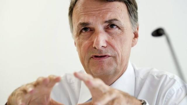Der Direktor des Bundesamtes für Migration, Mario Gattiker, vor den Medien in Basel