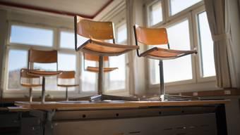 Geschlossene Schulen: Schweizweit stehen Schulzimmer wegen Corona-Präventionsmassnahmen leer.