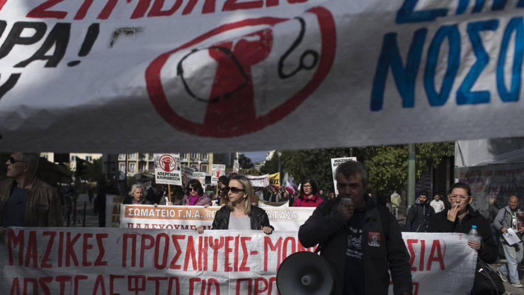 Protestzug streikender Spitalangestellter am Mittwoch in Athen.