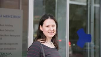 Carola Hitz: Seit Abschluss der Kantonsschule arbeitet sie in der Auftragszentale der Alu Menziken. Peter Siegrist