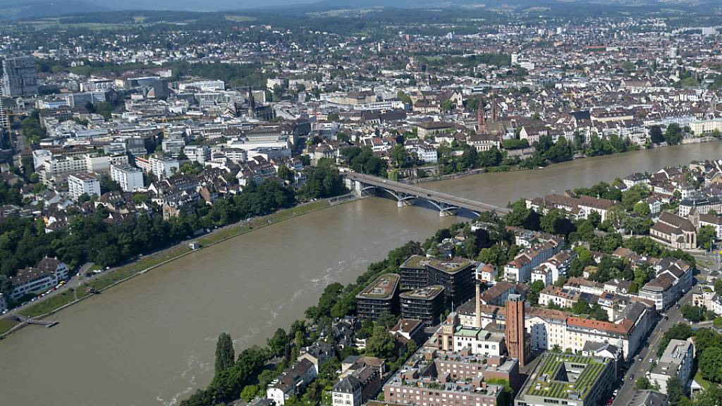 Blick vom 49 Stockwerk aus auf die winzig wirkenden restlichen Bauten der Stadt Basel.