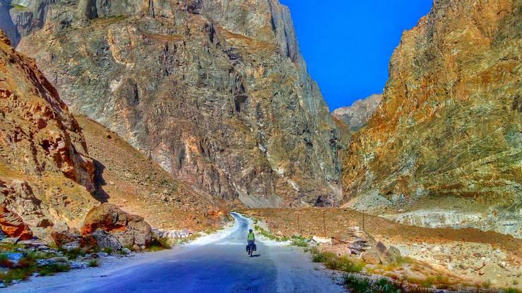 Auf gehts in Richtung Pamir-Gebirge.