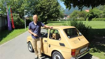 Alex Kaufmann kümmert sich immer noch um das «Tschingge-Rucksäckli», das sein Vater einst bei einer Tombola gewonnen hat.