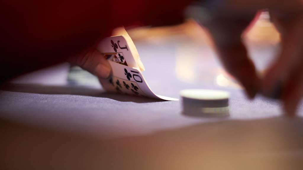 Polizei beendet in Pfäffikon illegale Pokerrunde