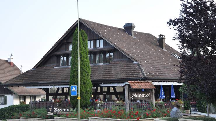So sieht das Restaurant Steinerhof heute aus. Vor 40 Jahren war es noch eine alte einfache Scheune.