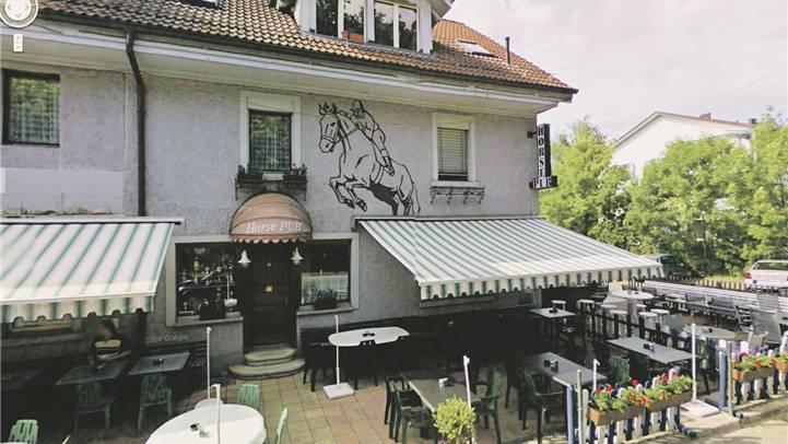 Im «Horse Pub» in Bülach diskutierte Oberstaatsanwalt Bürgisser den Fall Hildebrand. Google Street View