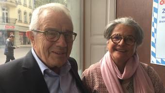 Alt-Bundesrat Arnold Koller mit Frau Erica in der Stadtrösterei Solothurn
