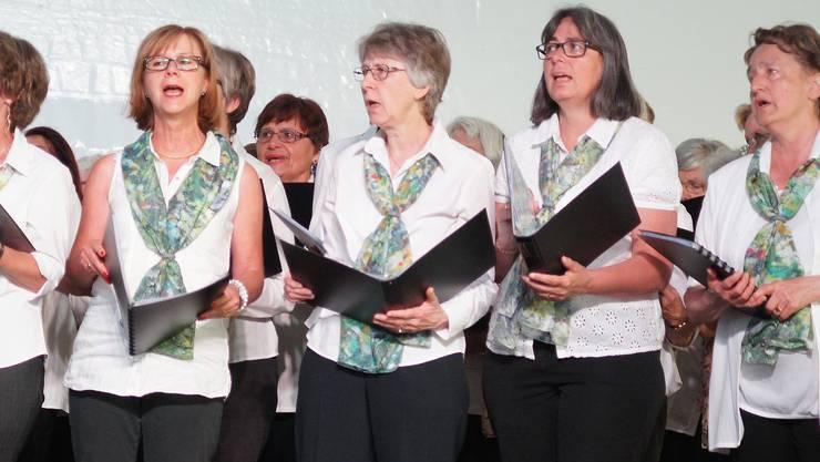 Sängerinnen des Urdorfer Ad hoc Chors.jpg