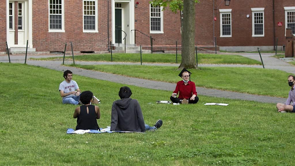 Regierung nimmt Ausweisungsdrohung gegen Studenten zurück