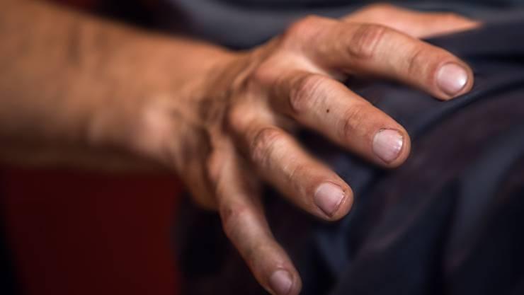 Der Mann hatte Hand nicht im Griff und kam mit einer bedingten Freiheitsstrafe davon. (Symbolbild)