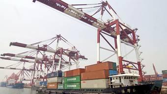 Der Handelskrieg mit den USA hinterlässt Spuren: Chinas Wachstum hat sich 2018 verlangsamt wie lange nicht mehr. (Symbolbild)