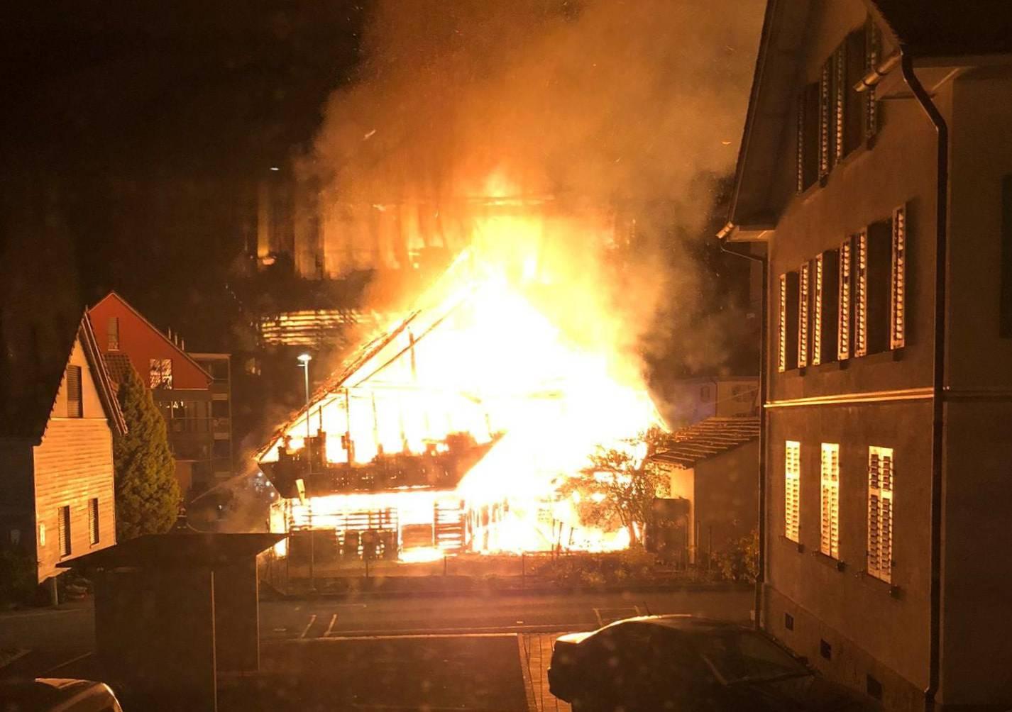 Das älteste Haus des Dorfes brannte bis auf die Grundmauern nieder.