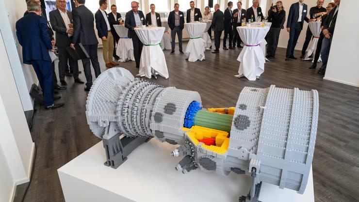 Gasturbine aus Lego zur Eröffnung der Ansaldo-Räumlichkeiten in Baden
