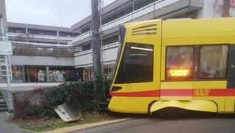 Am Freitagmorgen entgleiste in Aesch ein Tram