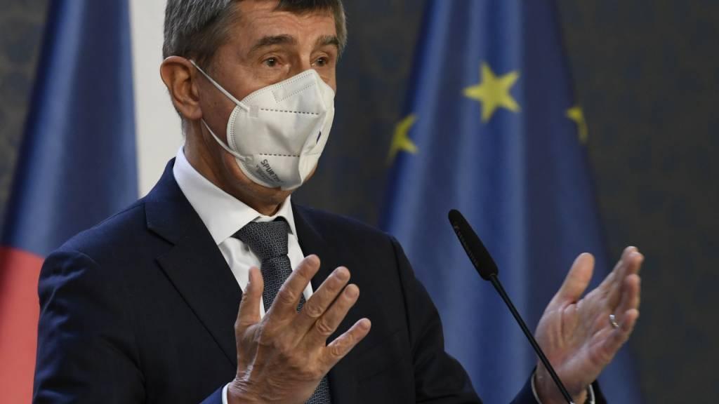 Andrej Babis, Premierminister von Tschechien, spricht während einer Pressekonferenz. Foto: Michal Krumphanzl/CTK/dpa/Archivbild