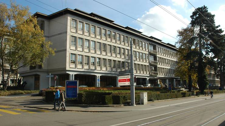Ein 66-jähriger, depressiver Patient sprang im Juni 2012 aus einem Fenster des Zürcher Uni-Spitals. (Archiv)