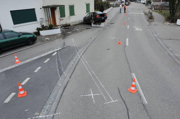 Der Unfallverursacher war zu schnell gefahren und hatte mehr als 1 Promille Alkohol im Blut.