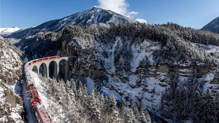 Der vielleicht schönste Teil der Albulalinie der rhätischen Bahn: Das Landwasserviadukt.