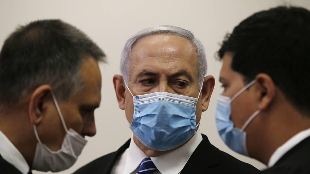 Spektakulärer Korruptionsprozess gegen Netanjahu eröffnet