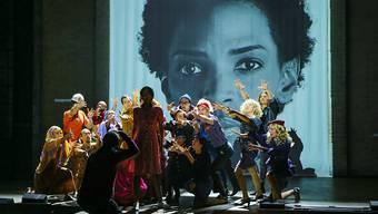 Szenenbild aus dem Musical Wuestenblume, aufgenommen bei einer Probe am Mittwoch im Stadttheater St. Gallen.