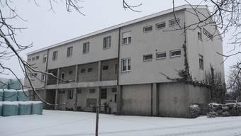 Im Mitteilteil des Gebäudes am Asylweg 10 in Biberist werden 30 Plätze für Flüchtlings-Familien eingerichtet.