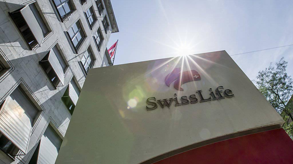 Der Lebensversicherer Swiss Life hat im ersten Halbjahr einen Gewinn von 524 Millionen Franken erzielt, 5 Prozent mehr als im Vorjahr.