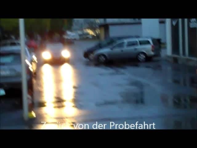 Das erste geprüfte Auto im neuen TCS-Mobilitätszentrums in Schlieren