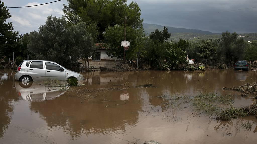 Mindestens sechs Todesfälle bei Überschwemmungen