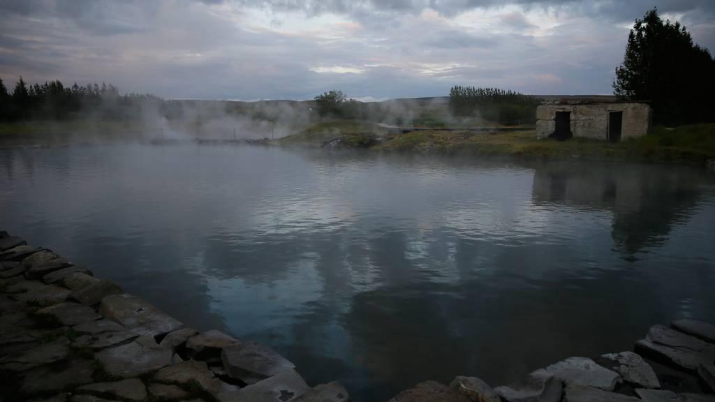 Thermalbäder auf isländisch