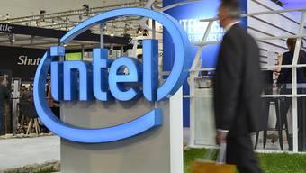 Der Intel-Konzern hat im abgelaufenen Geschäftsquartal den Umsatz um neun Prozent gesteigert - Experten hatten jedoch mehr erwartet. (Archivbild)