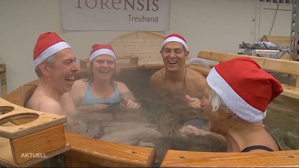 Nikolausschwimmen feiert Teilnehmerrekord