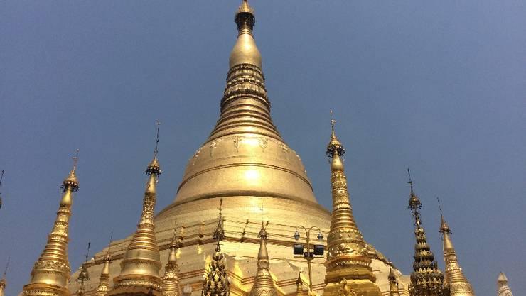 Die Woche beginnt in Yangon. Das Wahrzeichen der Millionenstadt_Die riesige Shwedagon Pagode