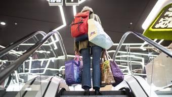 Die Nachfrage aus der Schweiz hat in deutschen Einkaufszentren wieder zugenommen. (Symbolbild)
