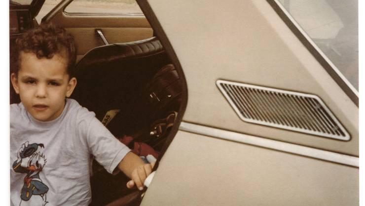 Mit Donald-Duck-T-shirt im Fiat: Simon Smit während der Flucht aus Indien.
