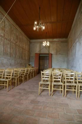 Es gibt nur ein Fenster in der Katharinenkapelle, an allen vier Wänden befanden sich einst die Malereien; heute sind nicht mehr alle erhalten