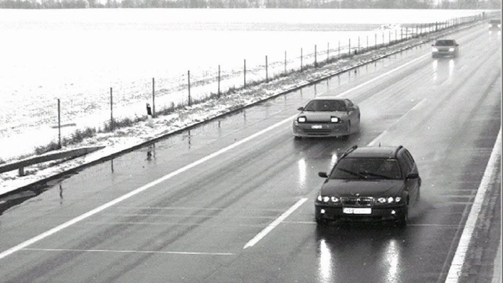 Zu schnelles Fahren ist immer noch der häufigste Grund, warum jemand seinen Führerausweis verliert. (Symbolbild)