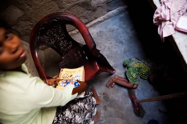 Geschätzte Zwei Millionen Sri Lanker und Sri Lankerinnen arbeiten als unqualifizierte Arbeitskräfte in Ländern des Mittleren Ostens. Die meisten sind Frauen.