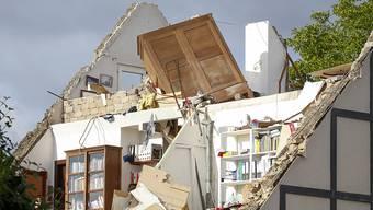 Nach einem Tornado im Südwesten Luxemburgs sind bis zu 100 Häuser nicht mehr bewohnbar.