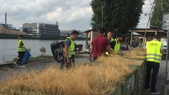 Aktionstag gegen Littering: Oris-Mitarbeiter sammeln Dreck.