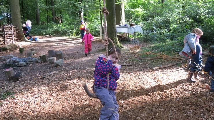 Wald-Erlebnis-Woche, organisiert vom Elternverein Geroldswil