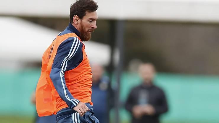 Lionel Messi wird bis 2021 für Barcelona spielen