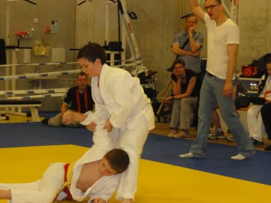 Ramon warf Gegner mit Ippon (höchste Punktzahl)