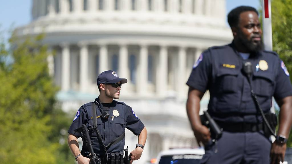 Polizei des US-Kapitols untersucht Fahrzeug auf mögliche Bombe