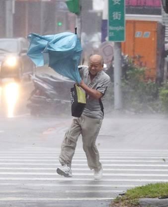 Kampf gegen Wind und Regen
