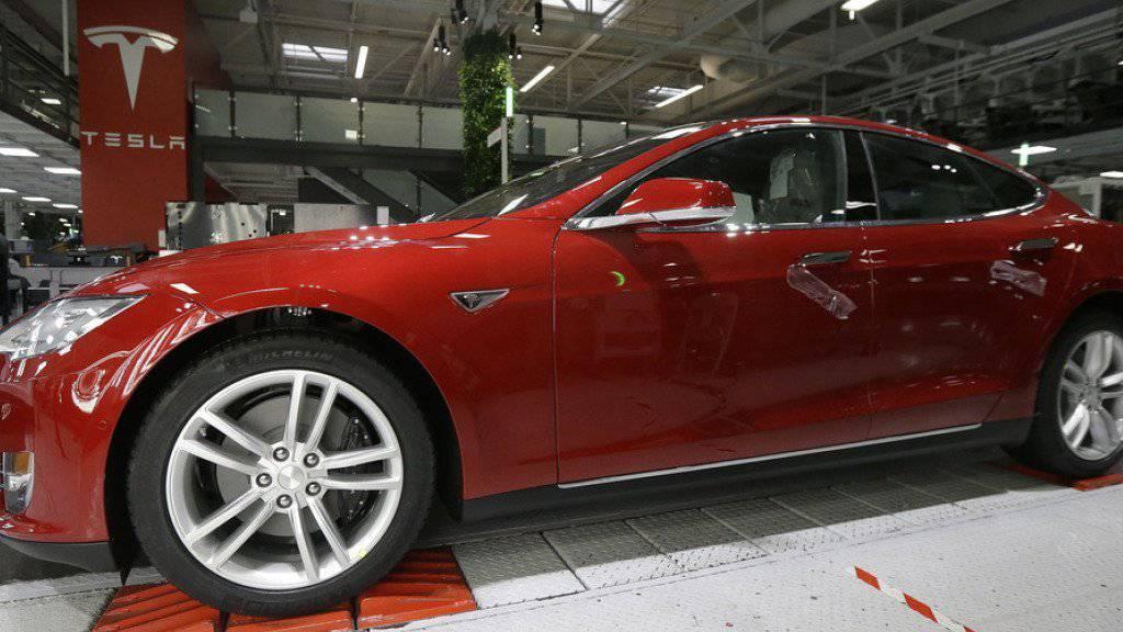 Ein Tesla Model S: die günstigere Variante soll rund 35'000 Dollar kosten. (Archiv)
