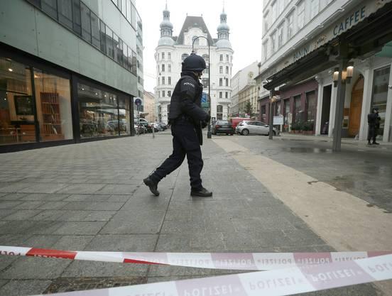 Der Täter dürfte nach der Tat gegen 13.30 Uhr am Freitag geflüchtet sein.