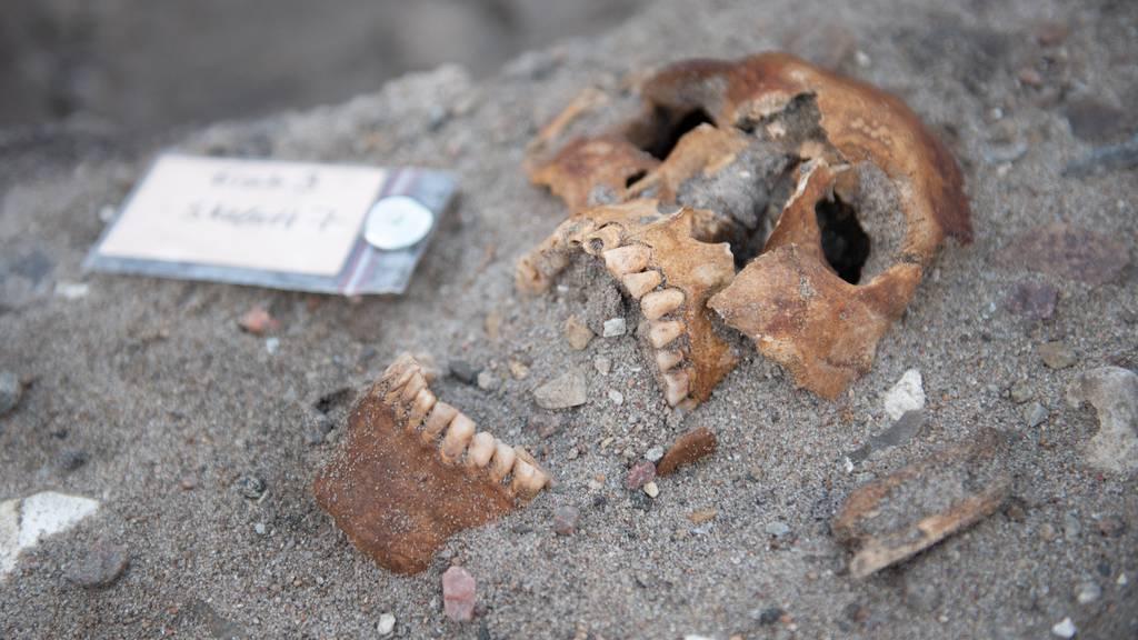 Archäologen finden historische Galgenreste
